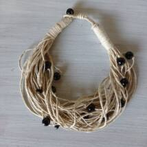 MARISOL mediterrán natúr kötél nyaklánc gyönygyökkel díszítve