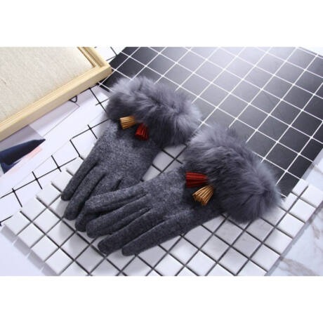 GLAMI szürke textil kesztyű szőrrel és rojtokkal díszítve