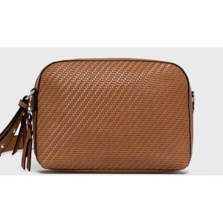 EMŐKE divat oldal táska barna színben szőtt mintával