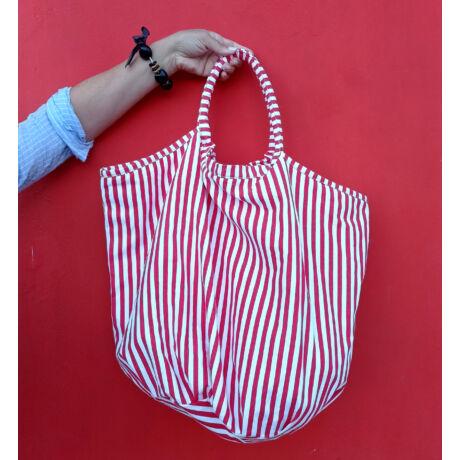 LUA csíkos piros óriás nagy textil táska patent zárral