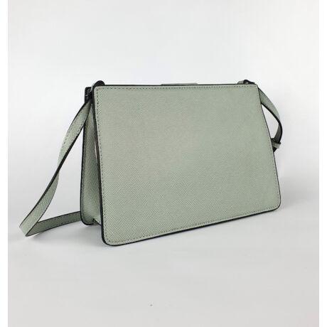 Enikő halványkék merev elegáns kis táska csatt zárral