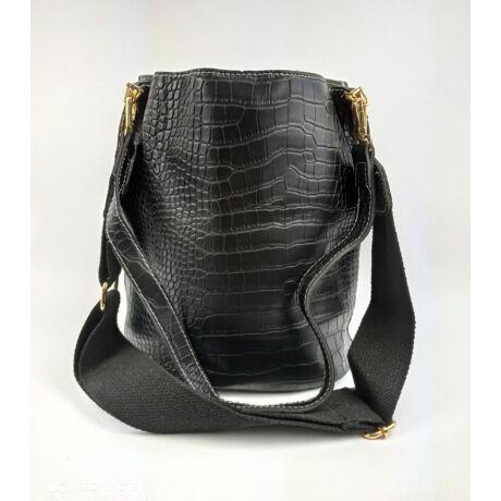 MANOLE fekete praktikus táska többféleképpen hordható